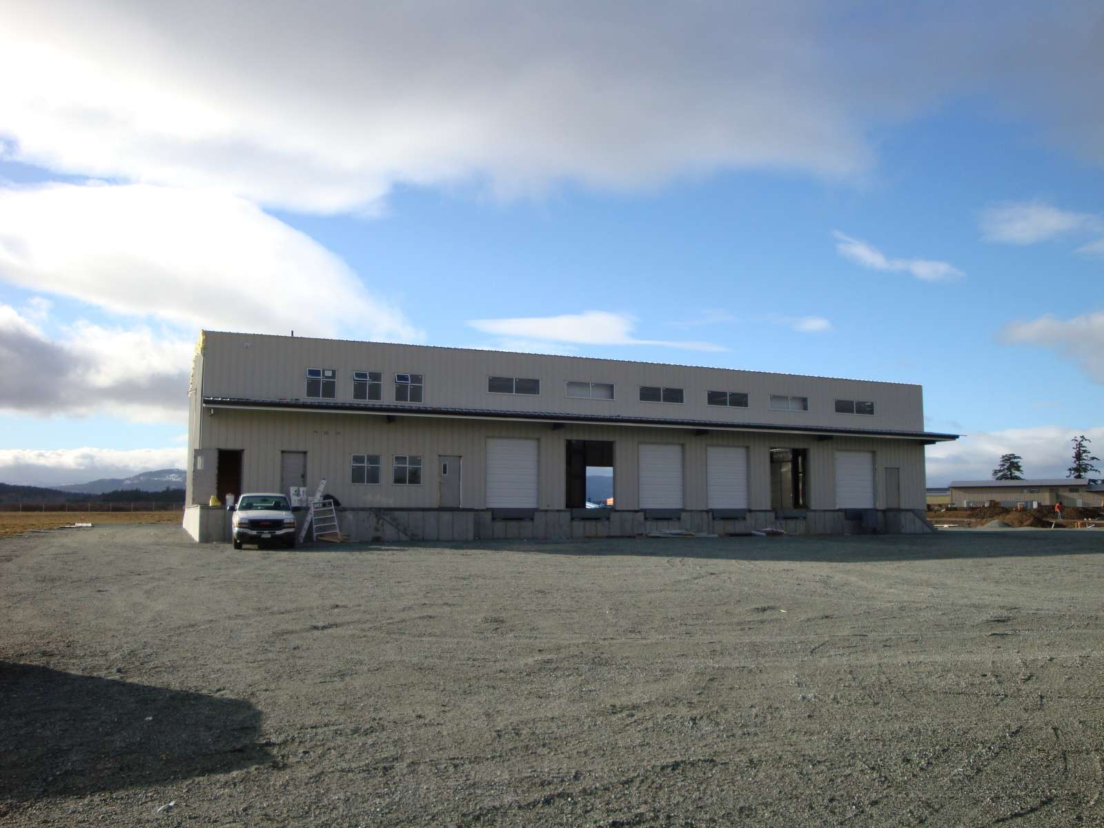 central island distributors
